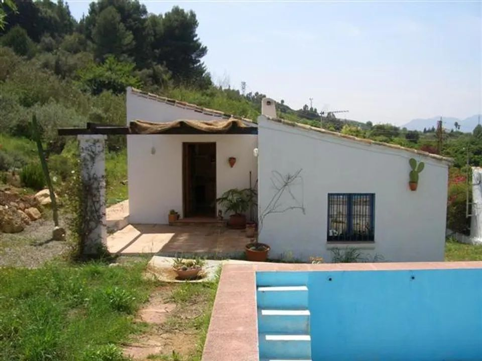 Alhaurin El Grande villa to rent from €850 per month